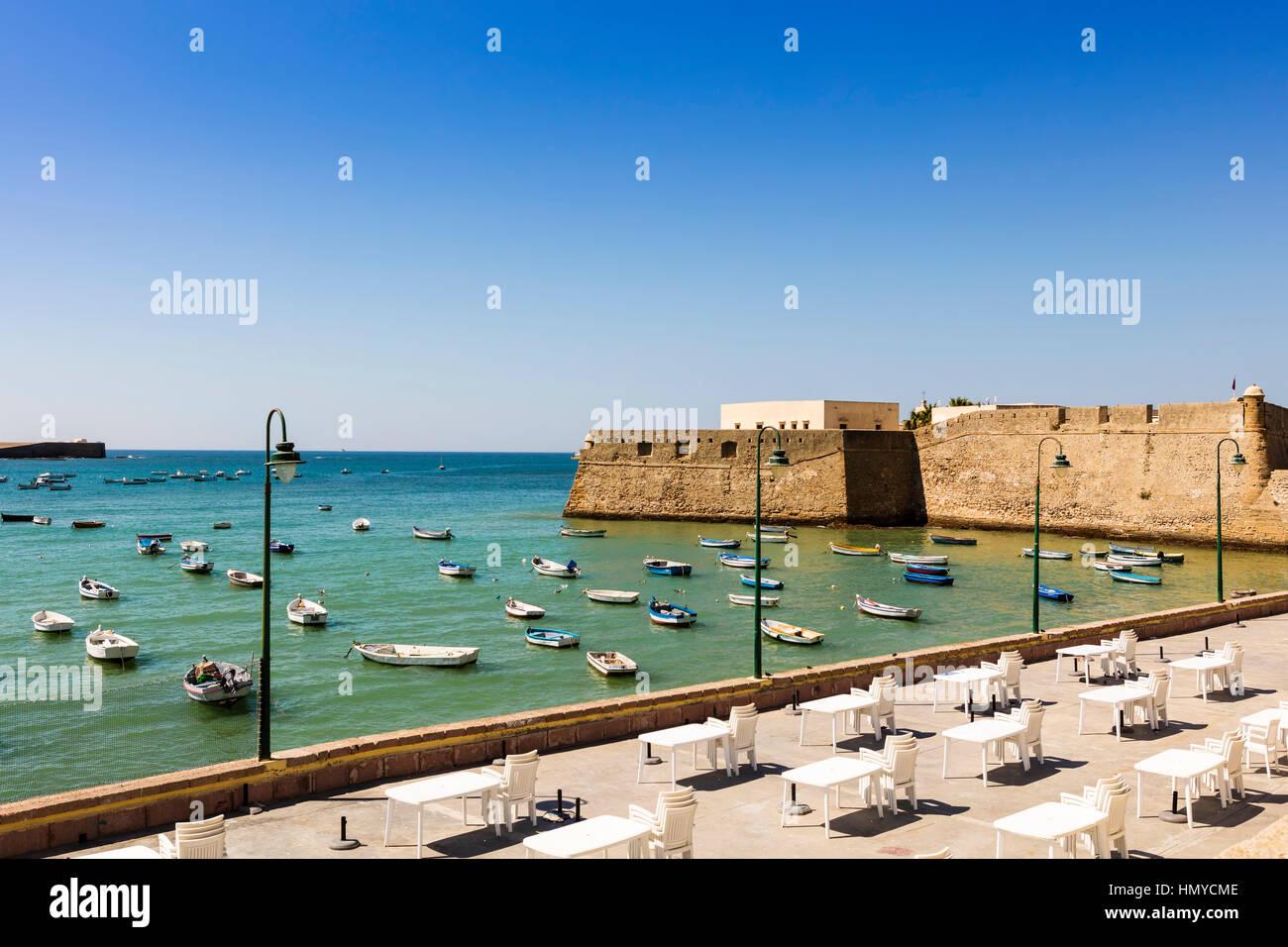 Promenade du château médiéval de Santa Catalina, Cadix (Espagne). Banque D'Images