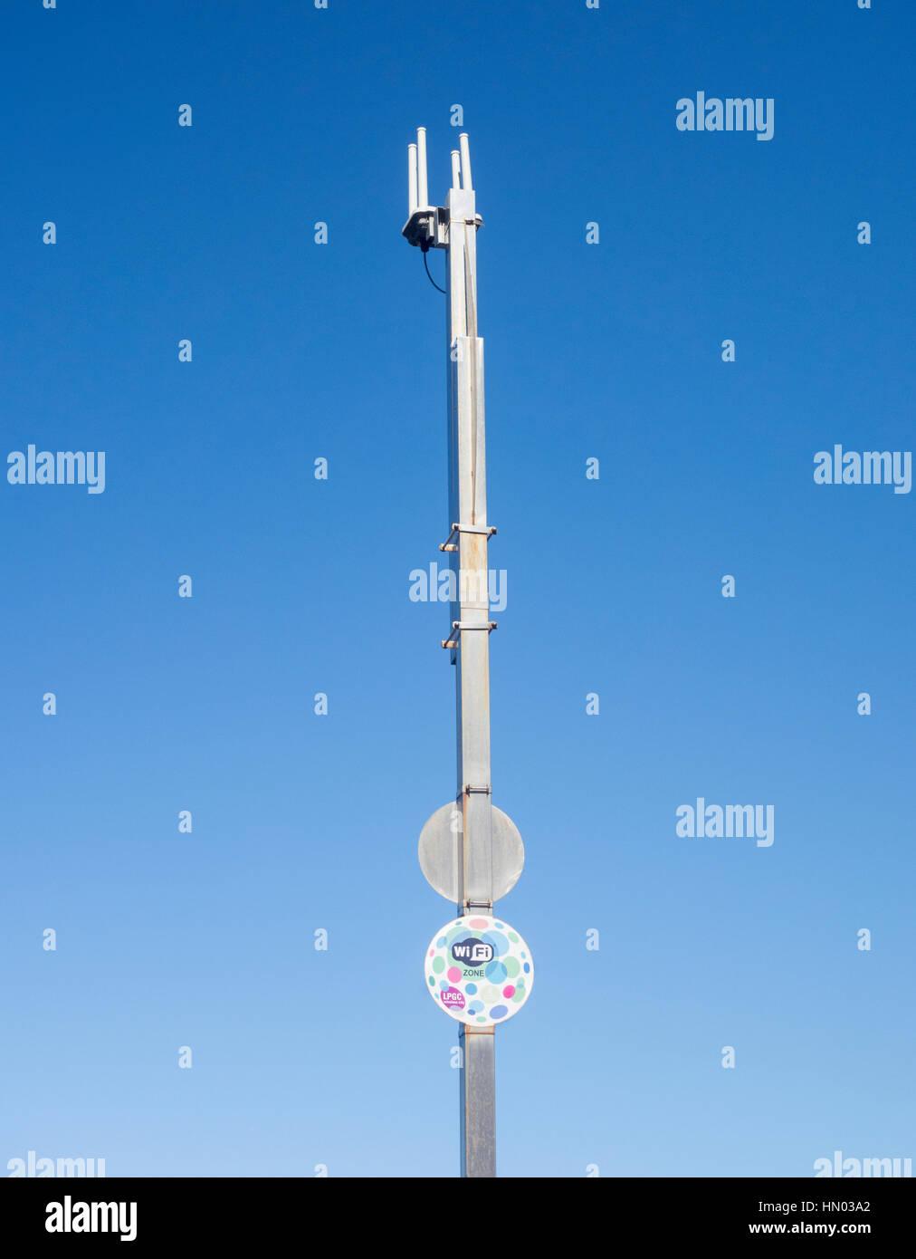 Antennes wifi sur la plage en Espagne Photo Stock