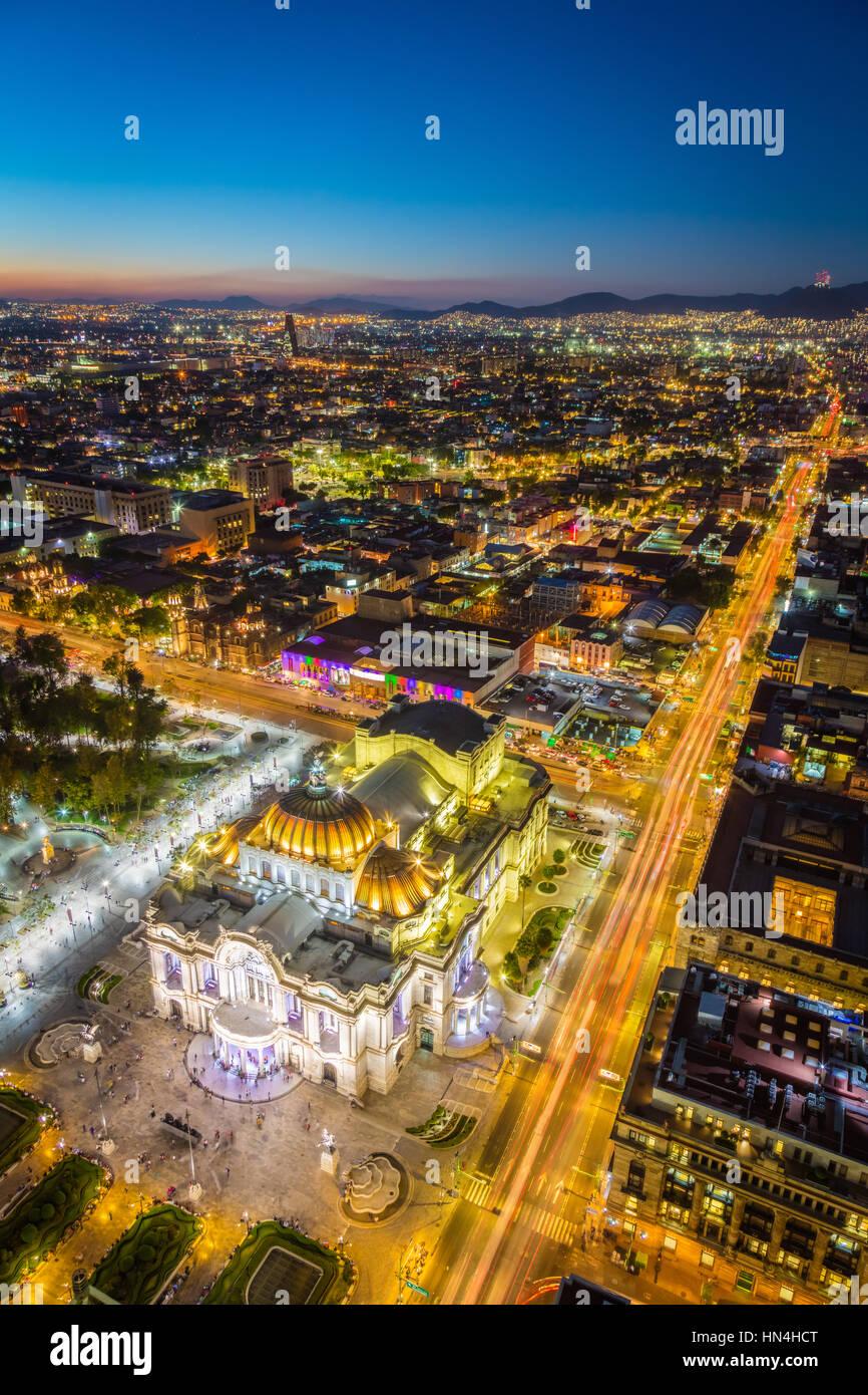 Vue de la ville de Mexico de Torre LatinoAmericana. La ville de Mexico est la zone densément peuplée de Photo Stock