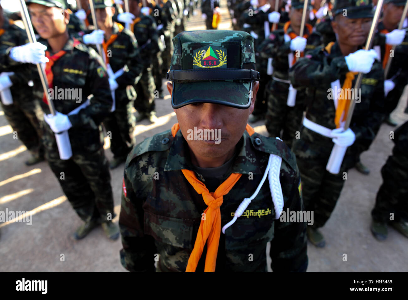 Tai LI Leng, le Myanmar. 07Th Feb 2017. Show militaire pendant la Shan 70e anniversaire de la Journée nationale shan le Feb 7, 2017. Credit: Visarut Sankham/Pacific Press/Alamy Live News Banque D'Images