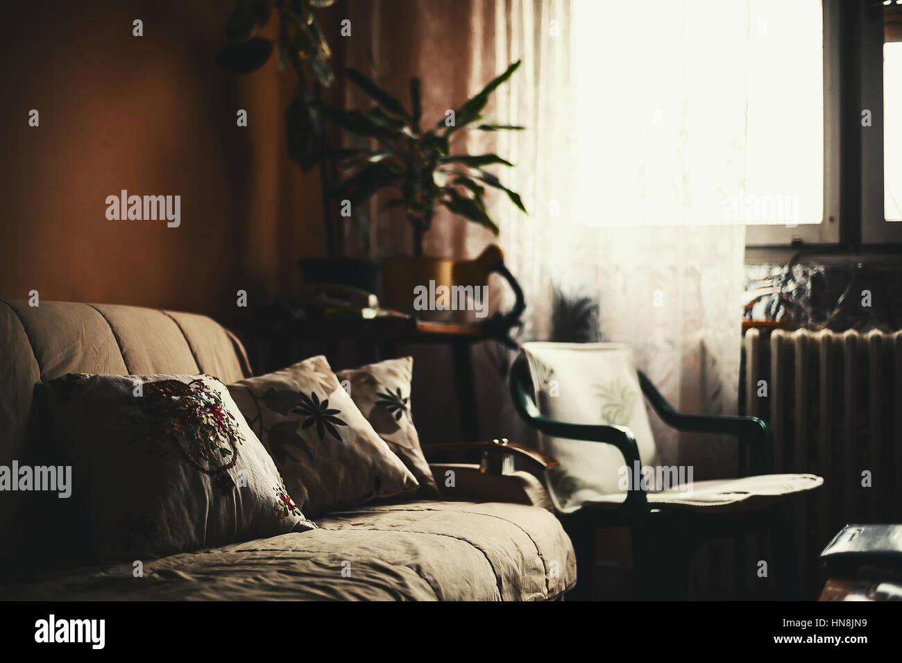Ambiance paisible d'une ancienne chambre, style de détails. Photo Stock