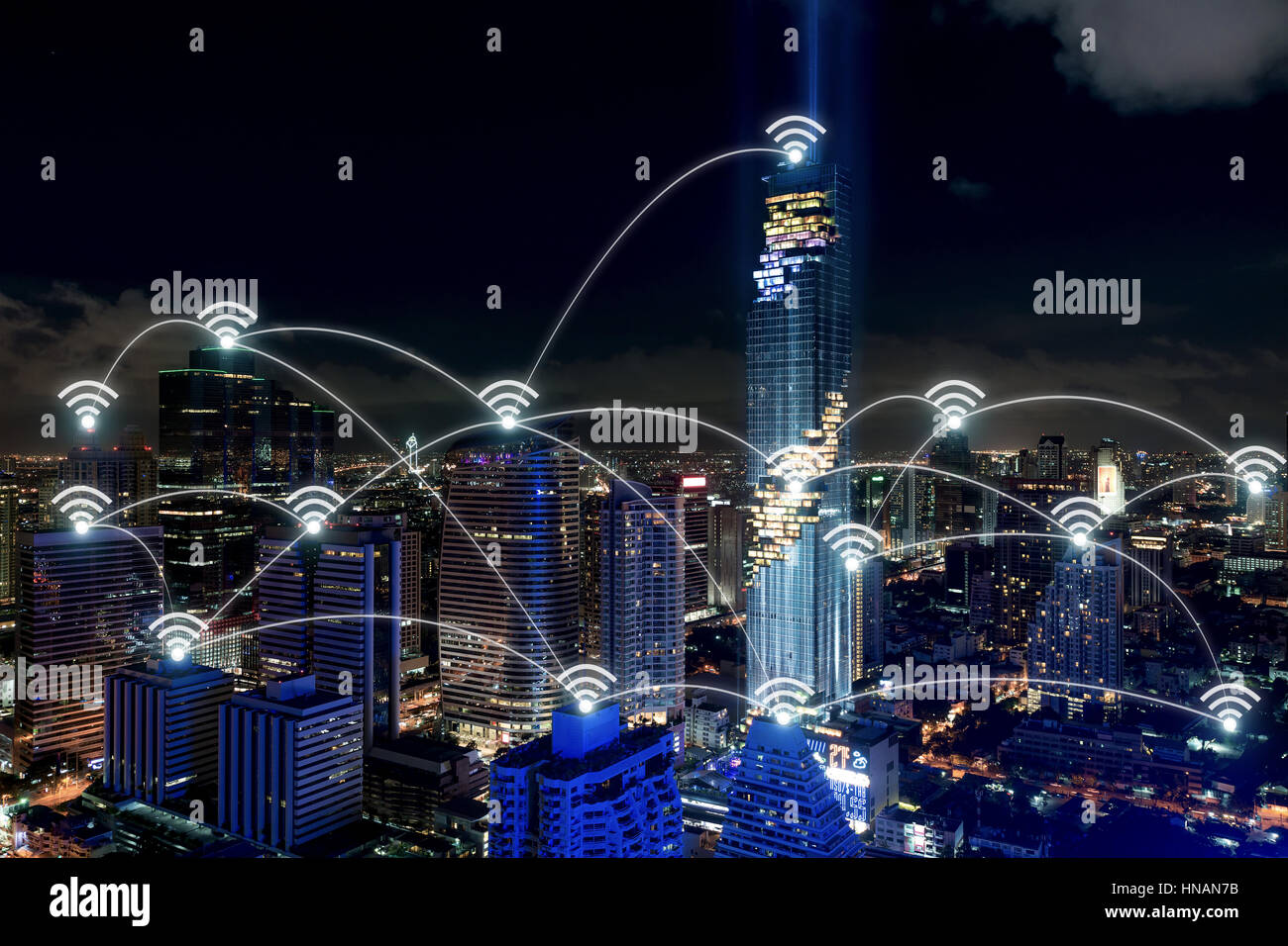 Des ville et réseau de communication sans fil, du quartier des affaires avec office building, résumé Photo Stock