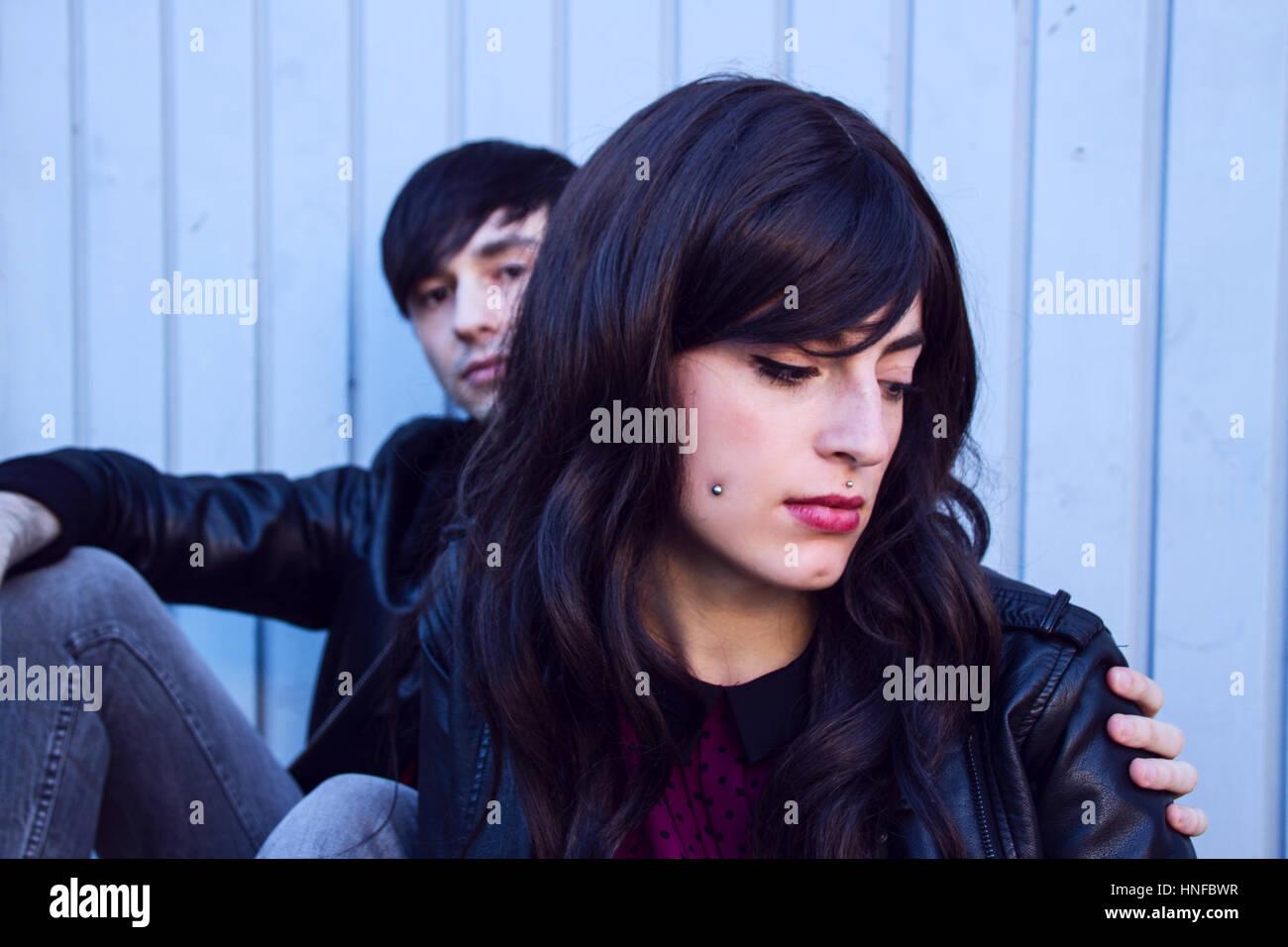 Jeune couple triste avec des troubles Photo Stock