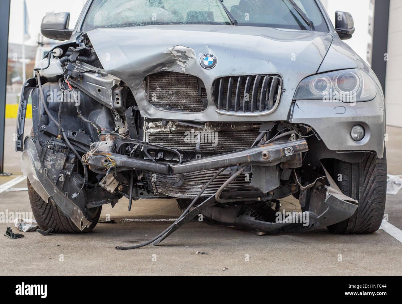 Épave de voiture BMW Banque D'Images