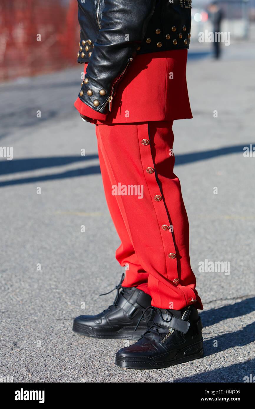 Cuir Un Avec Pantalon Noir En Rouge Homme Versace Veste Et 5zOcFqU