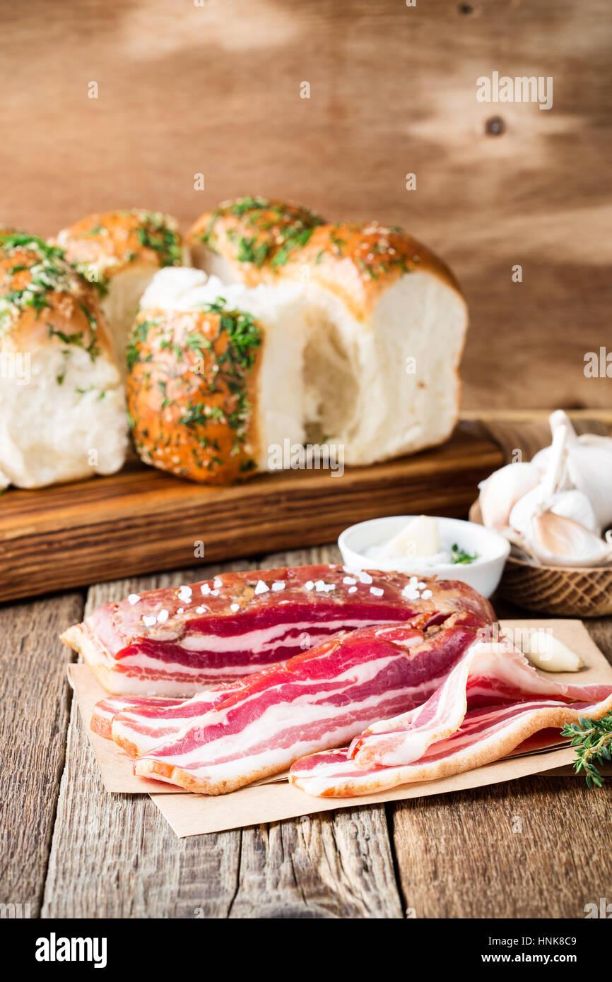 Flanc De Porc Sales A Sec De La Viande De Porc Fume Et L Ail