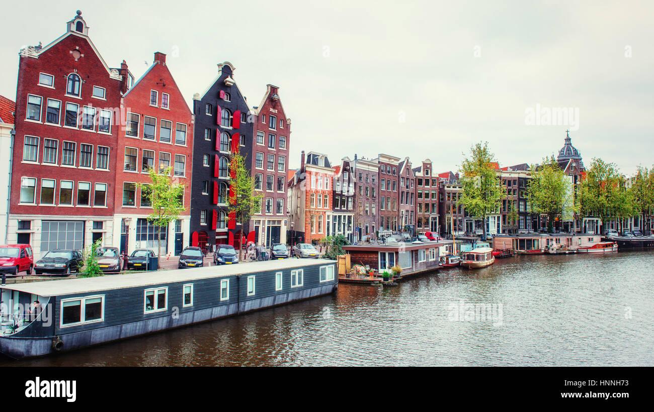 L'Amsterdam canal au coucher du soleil. Banque D'Images