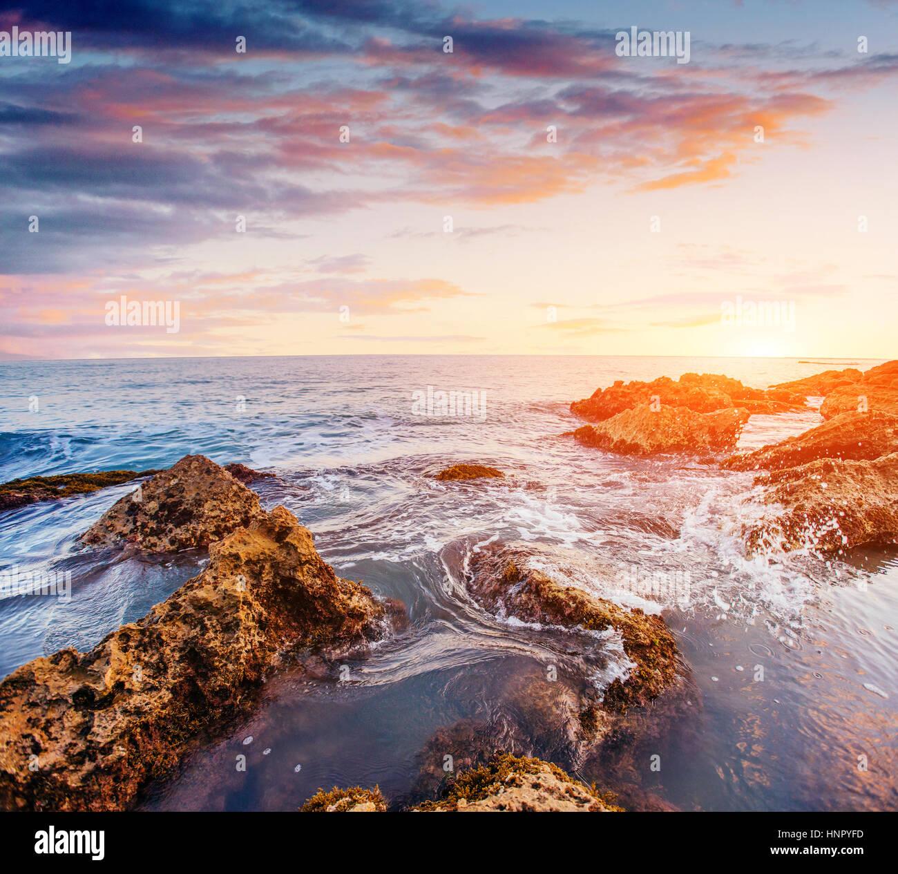 Vue fantastique sur la réserve naturelle de Monte Cofano. Scen spectaculaire Photo Stock