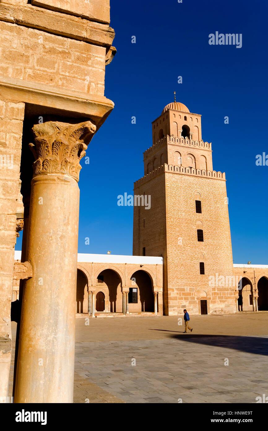 Tunez: Kairouan.la grande mosquée.cour. mosquée fondée par sidi uqba au Vième siècle Photo Stock