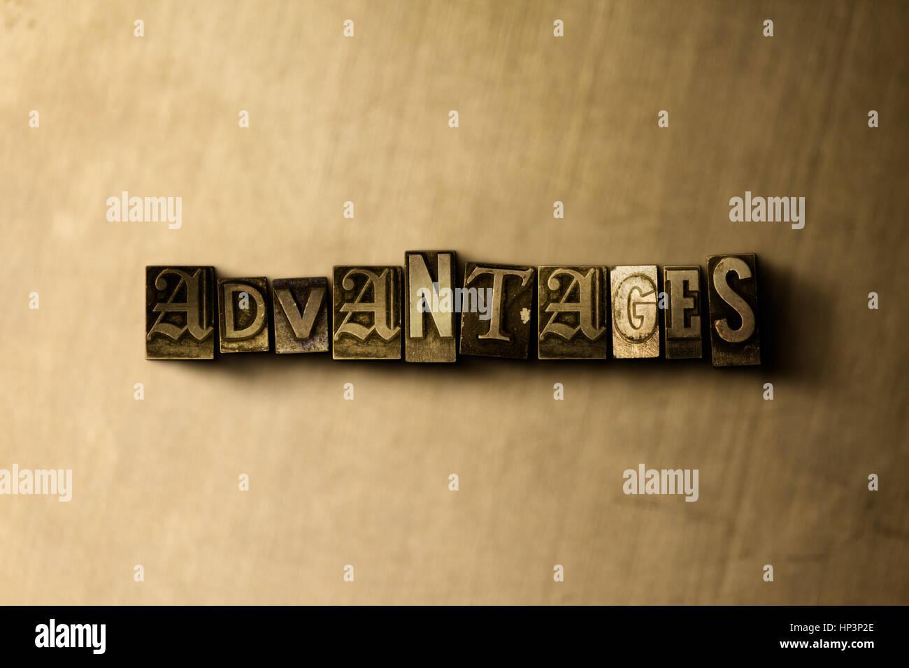 Avantages - close-up de grungy vintage imprimé sur toile métallique mot. Illustration libres de droits. Photo Stock