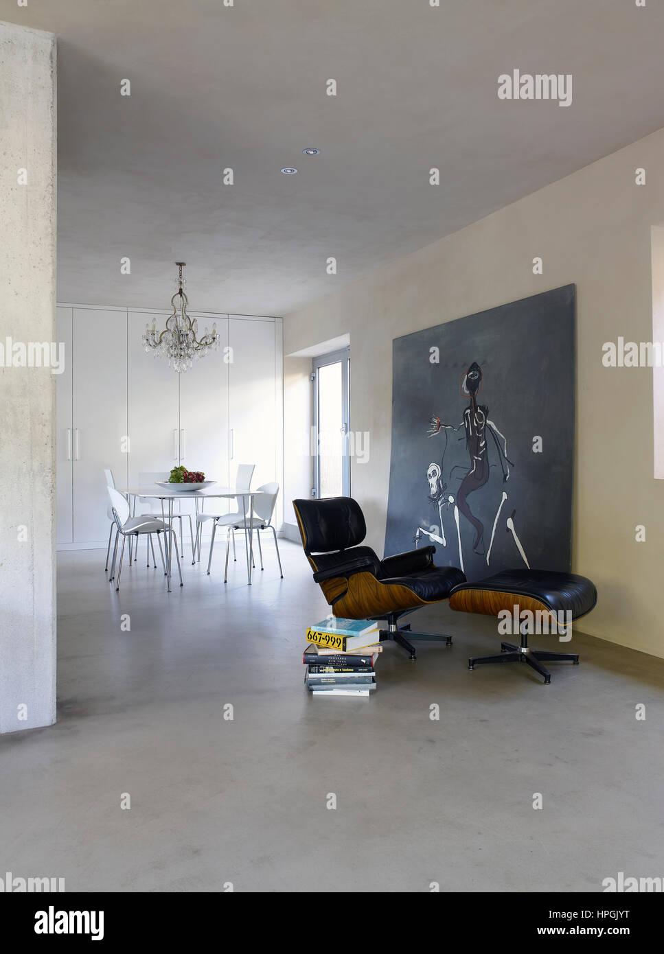 Intérieur d\'une maison contemporaine à Milan, Italie avec ...