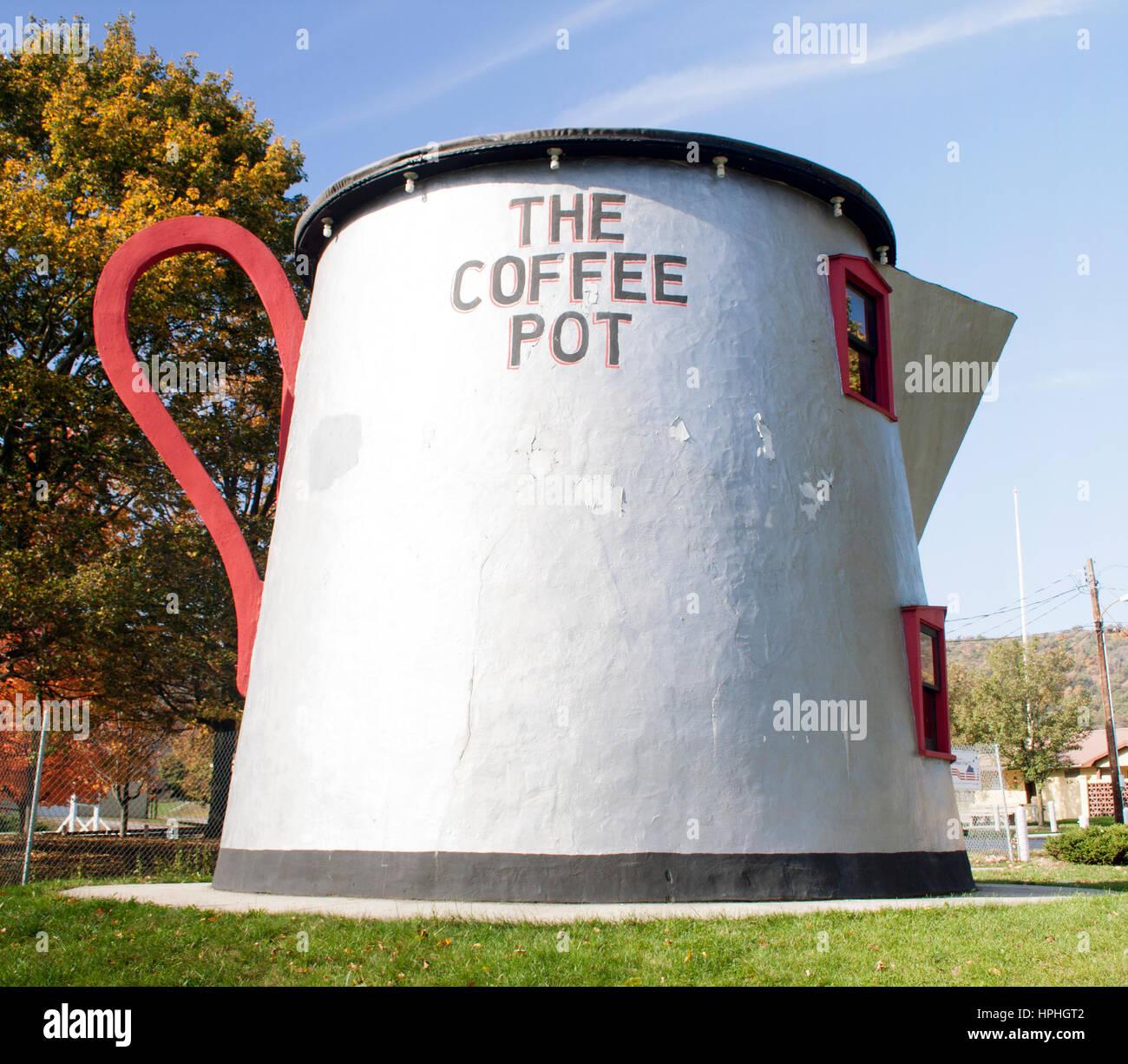Bâtiment en forme de pot de café à Bedford en Pennsylvanie Photo Stock