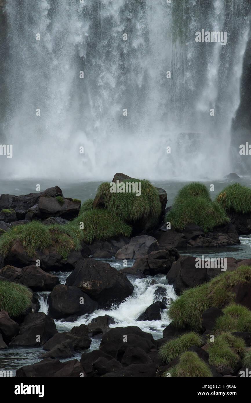 L'Iguazu, Iguazu Falls, chutes d'Iguaçu, ou des chutes d'Iguaçu. Voyages et tourisme: spectaular point de vue. Banque D'Images