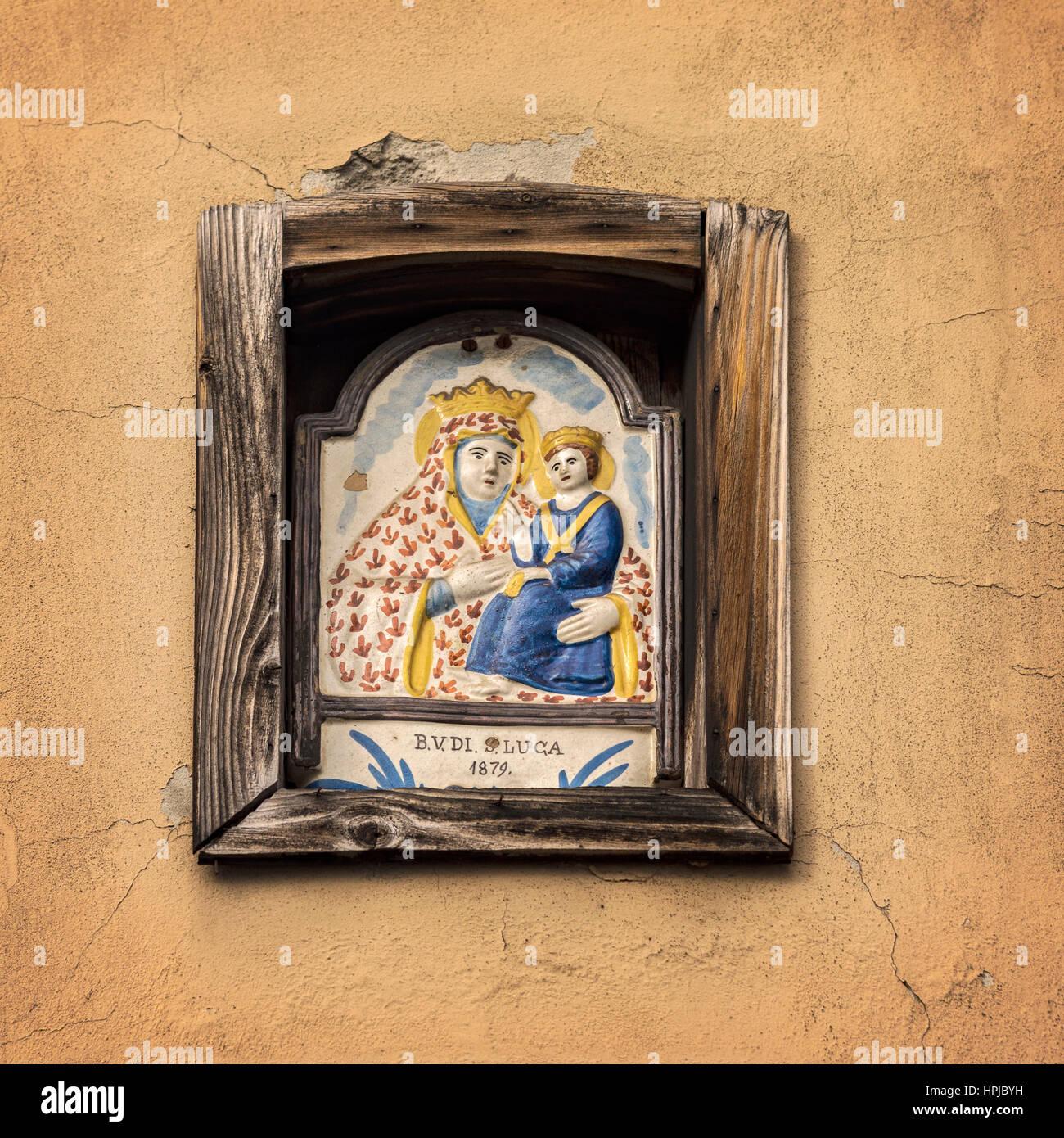 Image d'une illustration en carreaux de céramique à l'intérieur d'un bâtiment de Photo Stock