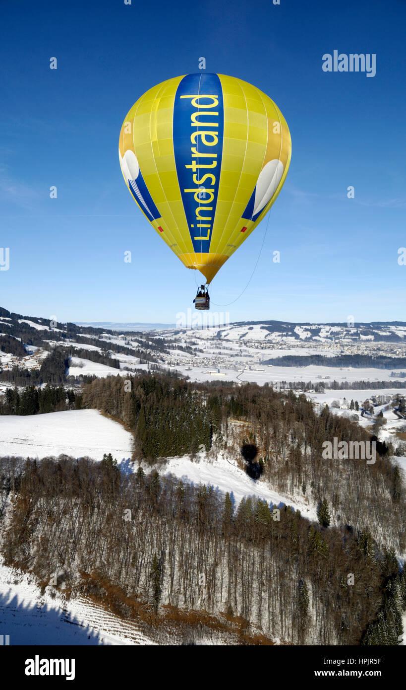 Gruyère: Le Château d'Oex International Balloon Festival / Festival International de Ballons à Château-d'Oex Banque D'Images