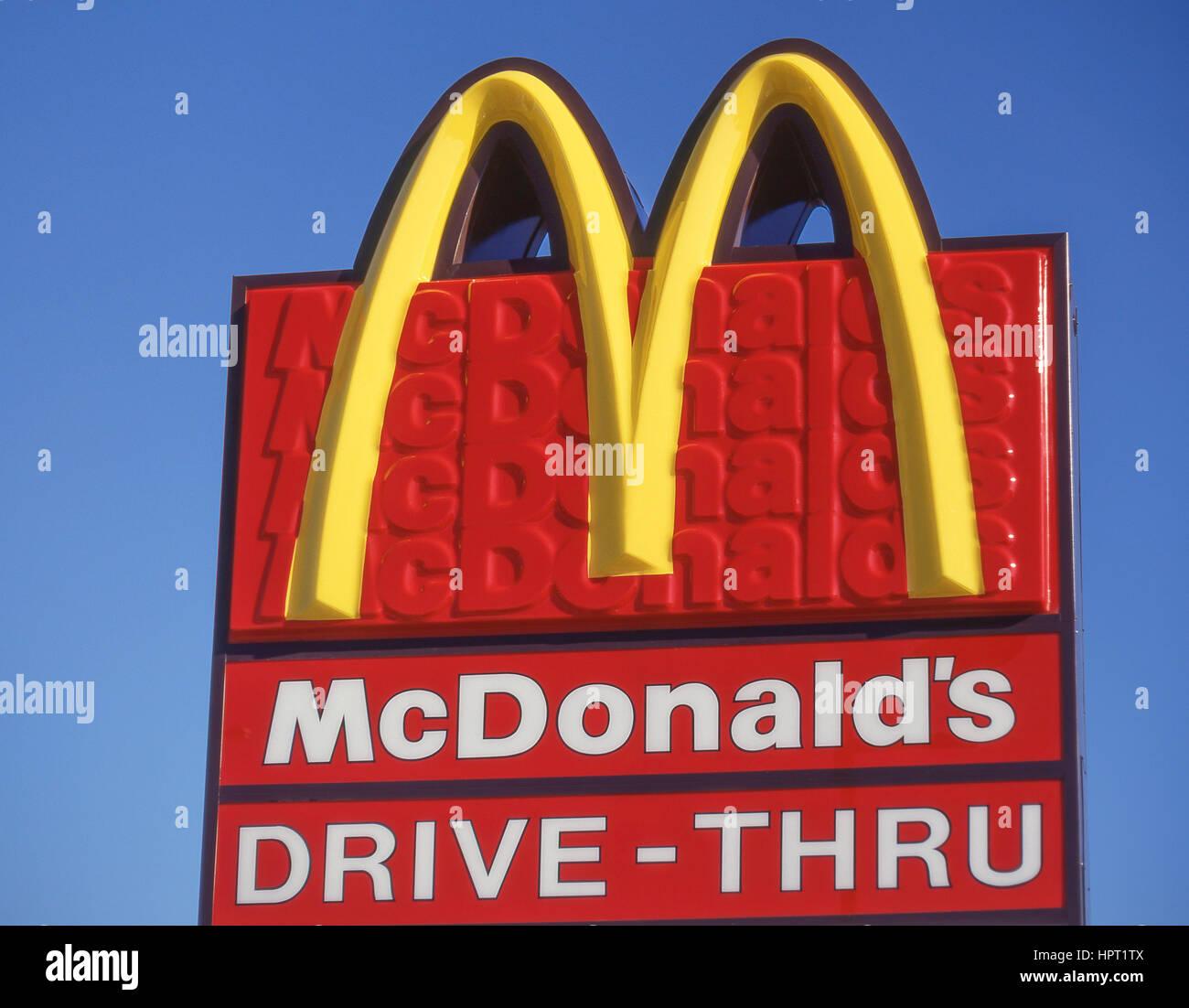 Drive-Thru McDonald's restaurant sign, Miami, Floride, États-Unis d'Amérique Photo Stock