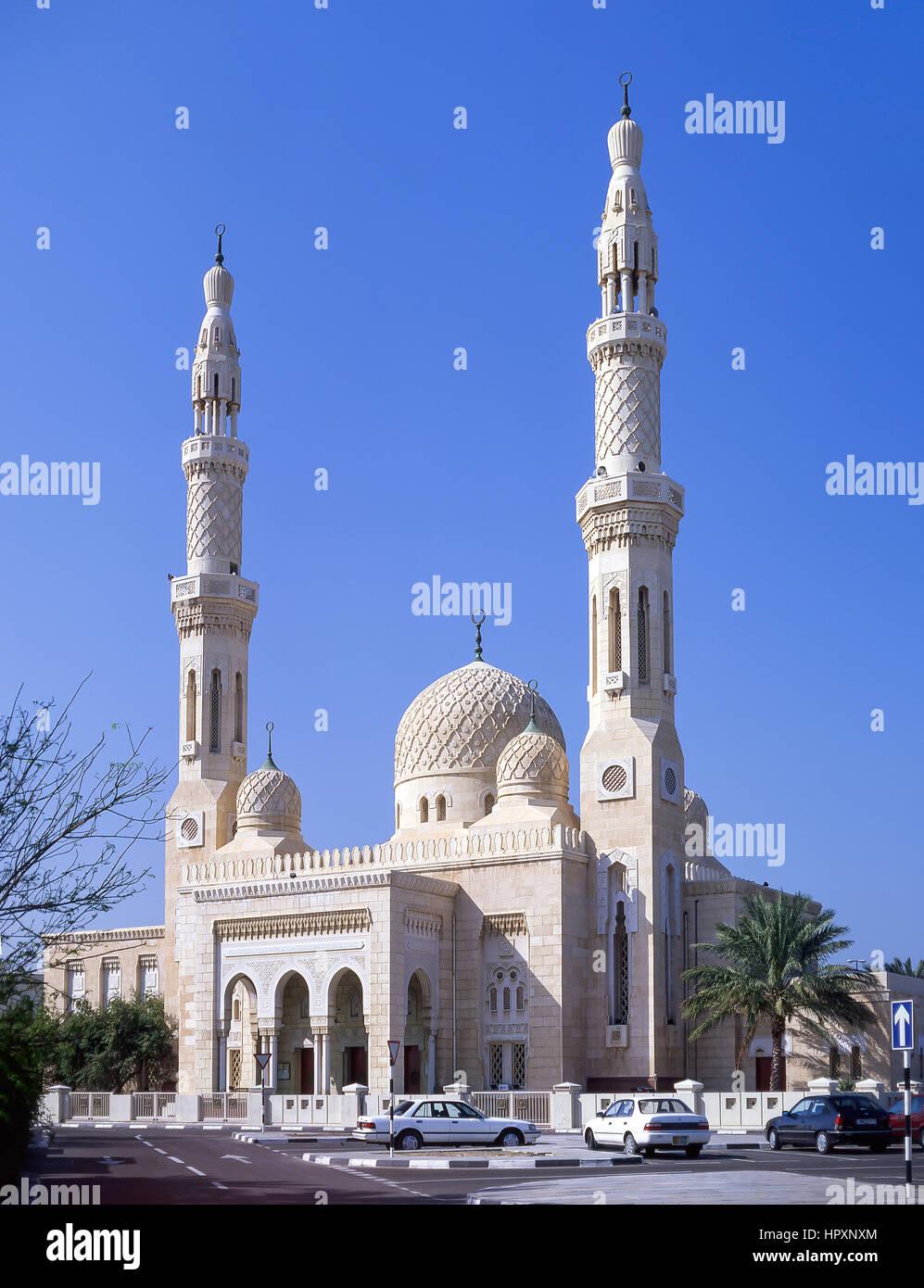 La mosquée de Jumeirah, Al Jumeirah Road, Jumeirah, Dubai, Émirats Arabes Unis Photo Stock