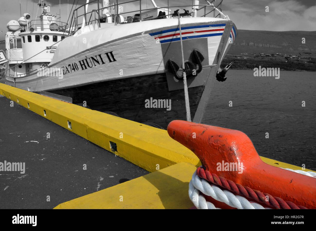 Un ancien bateau de pêche utilisé aujourd'hui pour l'observation des baleines à Akureyri, Photo Stock