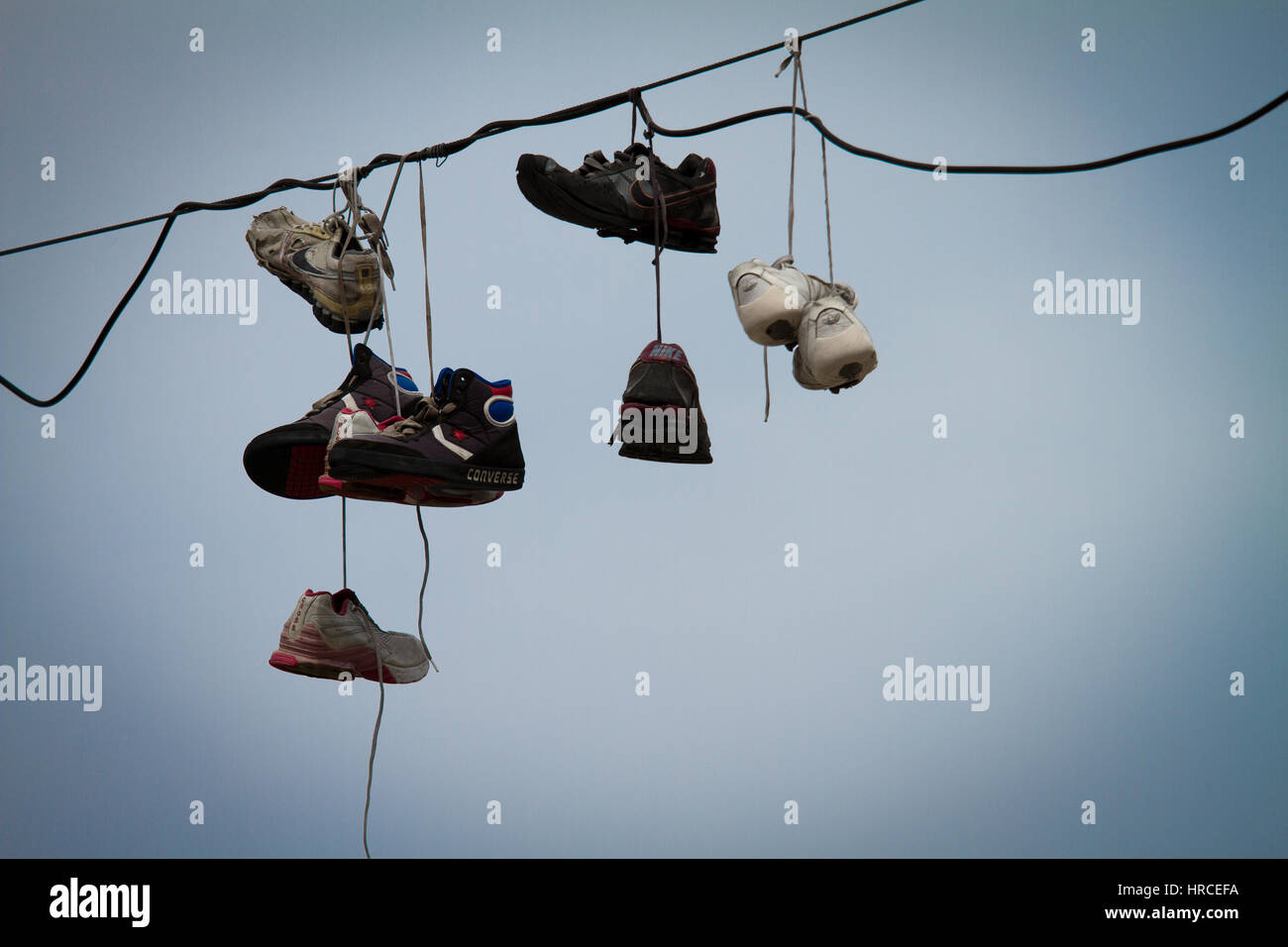 Photos Hanging amp; By Old Shoes Laces x7wqUUH