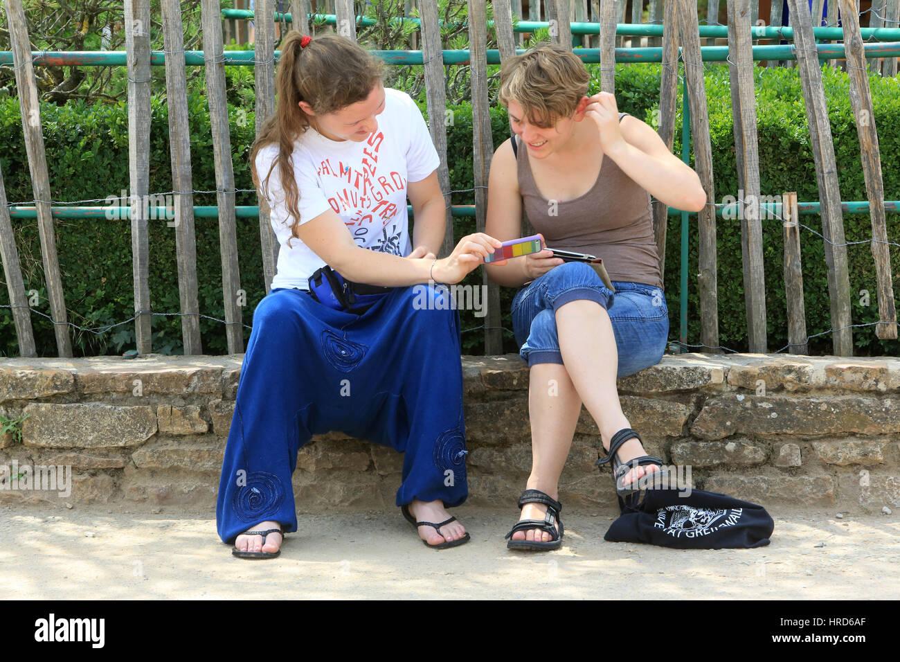 Téléphone. La communauté œcuménique de Taizé. Photo Stock