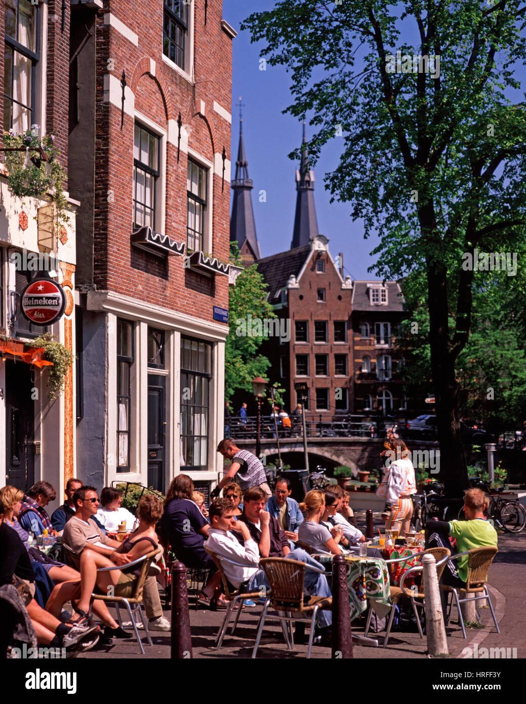Cafe de la chaussée à Amsterdam, Hollande, Pays-Bas Photo Stock