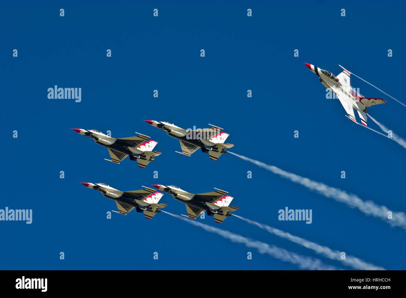 U S Air Force Thunderbirds de l'équipe de démonstration Banque D'Images