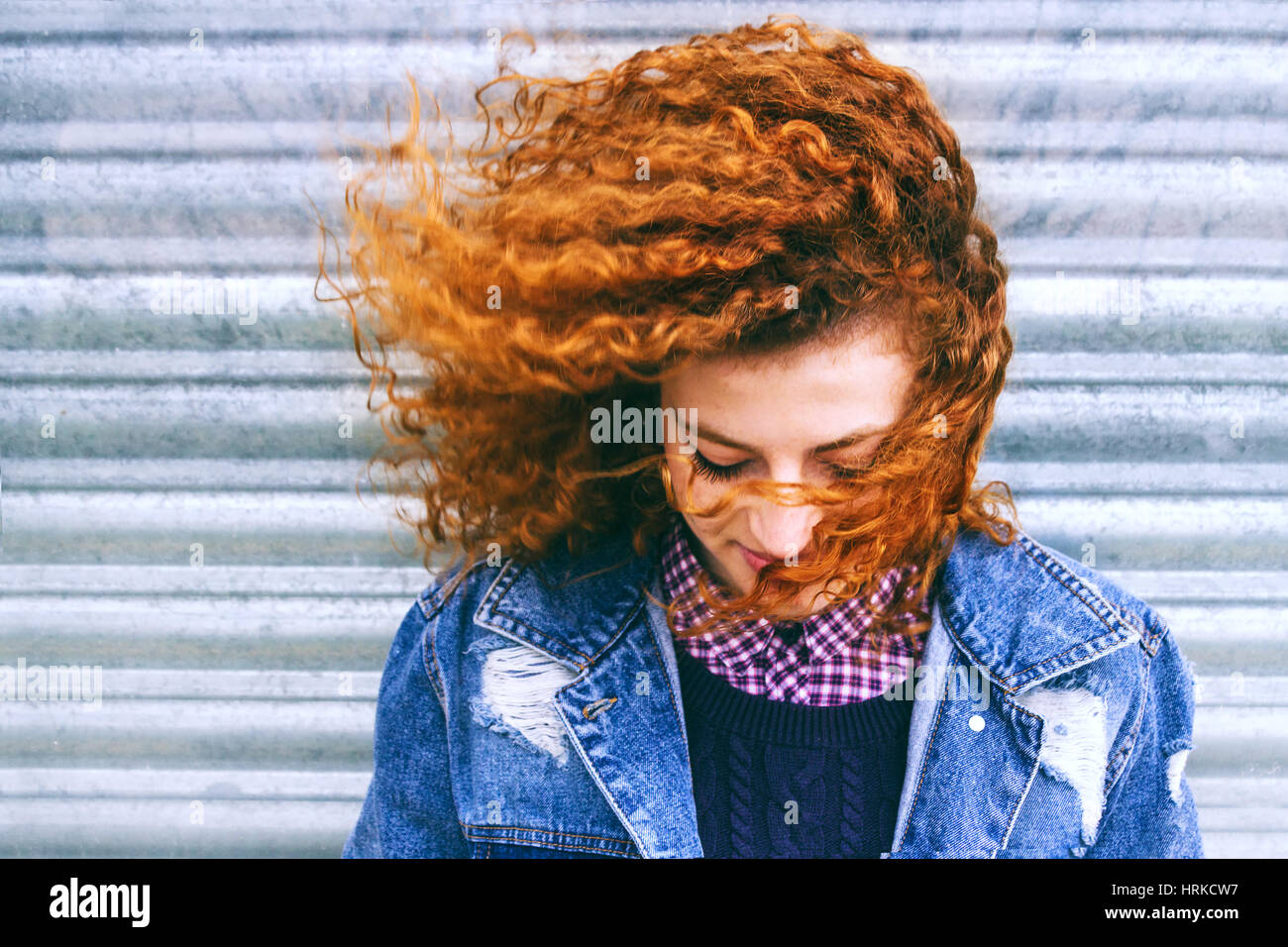 Portrait d'une belle adolescente rousse Photo Stock