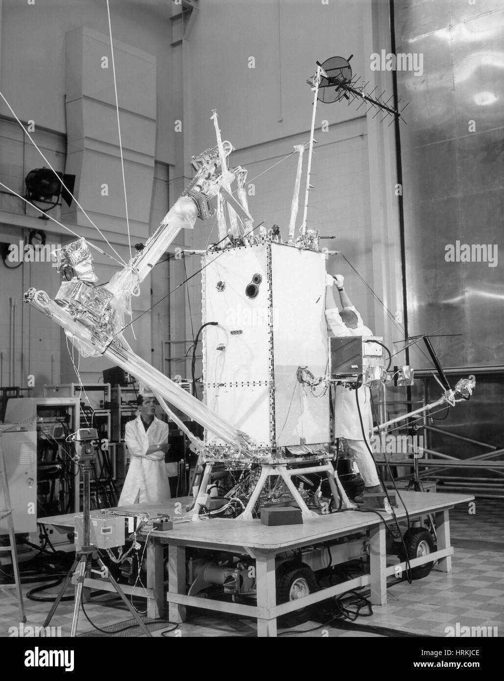 L'observatoire géophysique en orbite JE Photo Stock