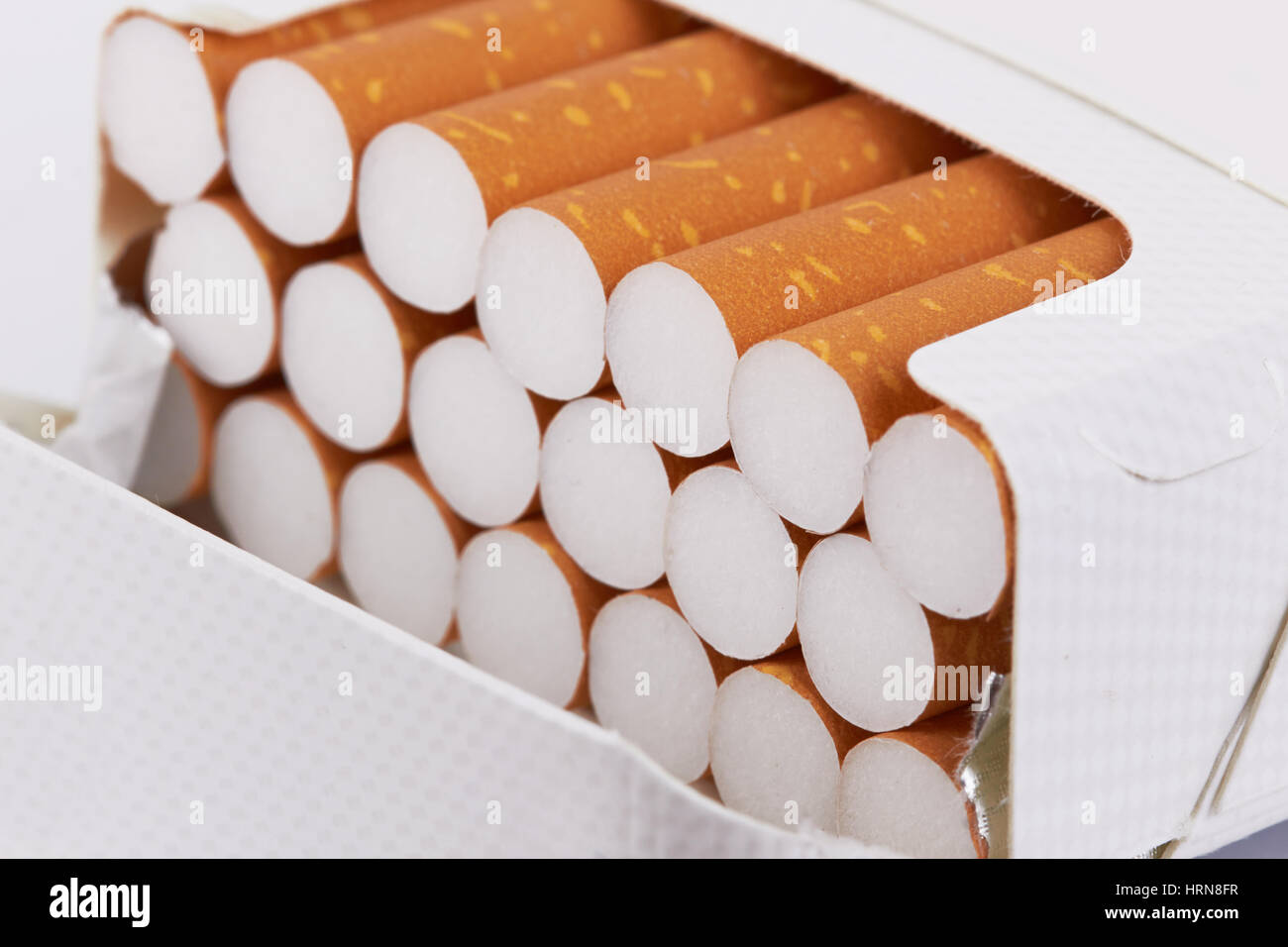 Libre d'un tas de cigarettes en paquet Photo Stock