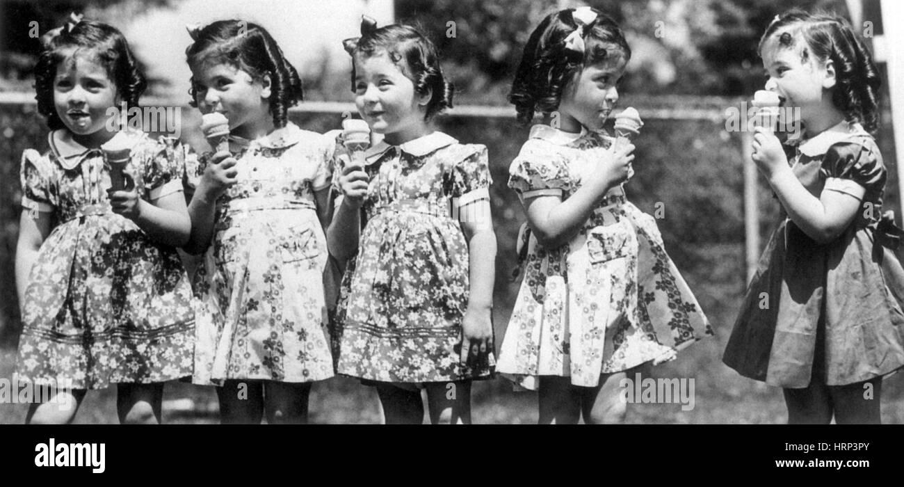 Les quintuplées Dionne, 20e siècle Photo Stock