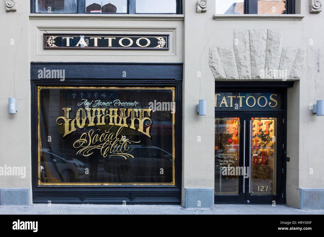 Le tatouage à la haine l'amour Social Club à New York City Photo Stock