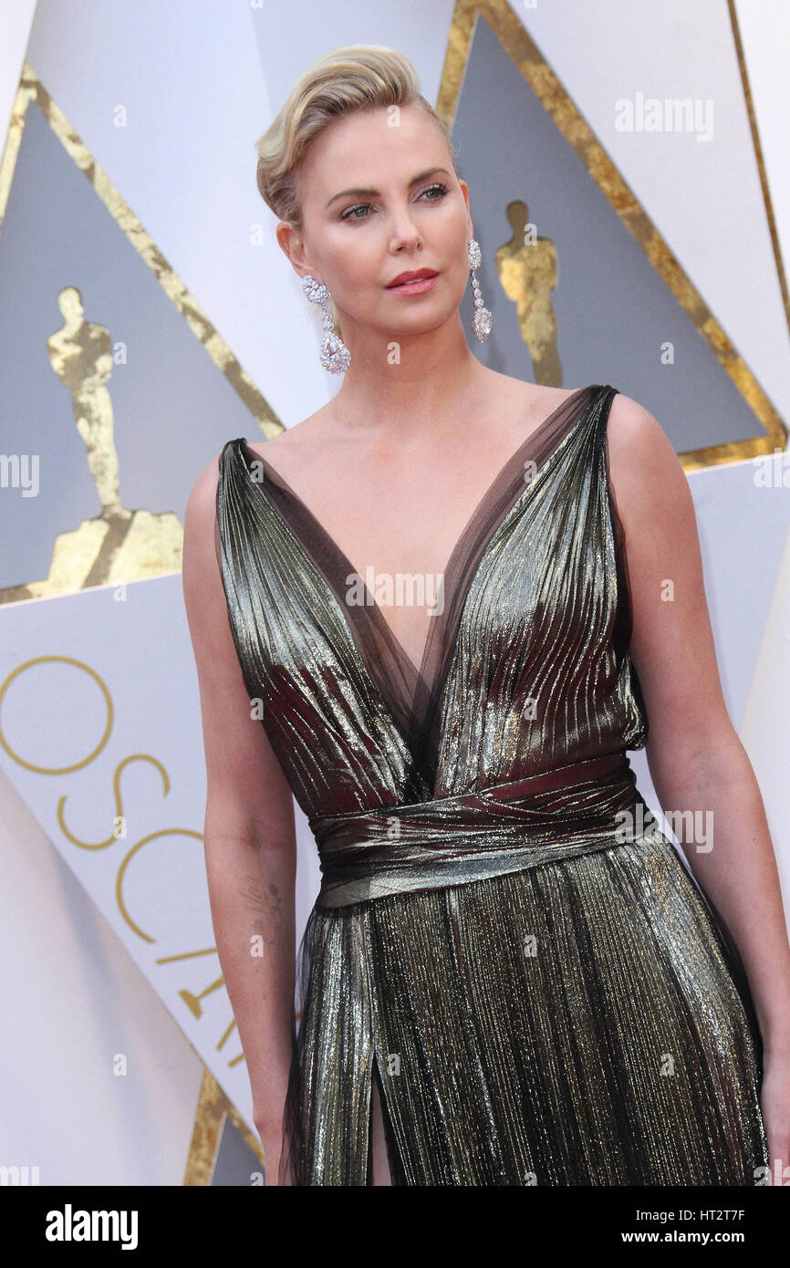 Hollywood, CA, USA. Feb 26, 2017. 26 février 2017 - Hollywood, Californie - Charlize Theron. 89e Academy Awards Photo Stock