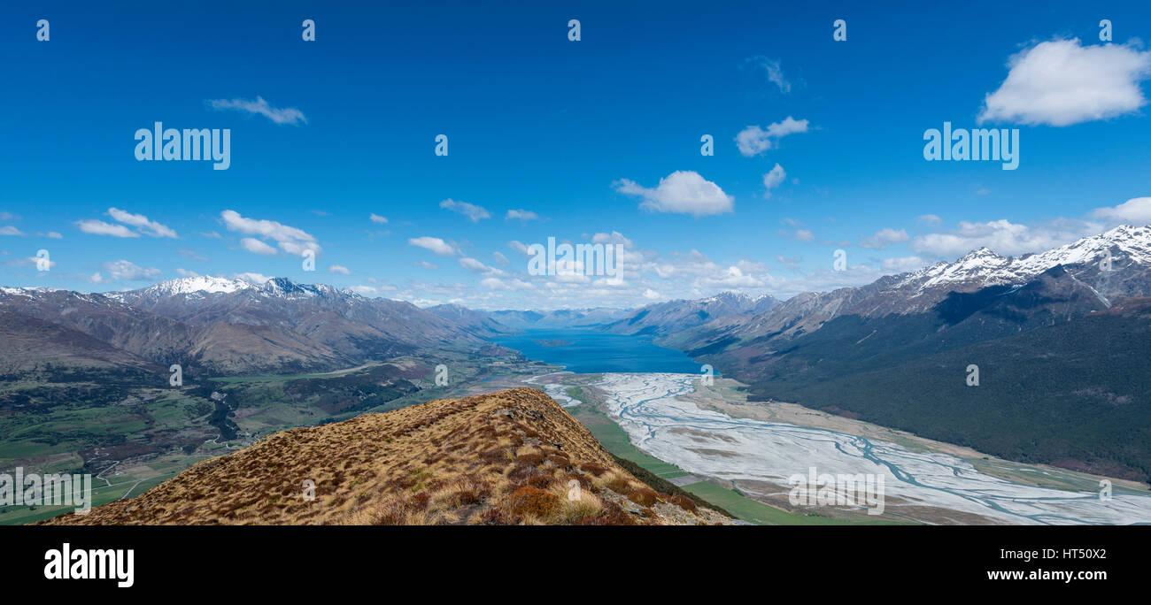 Vue sur le Lac Wakatipu du Mont Alfred, Glenorchy à Queenstown, Alpes du Sud, de l'Otago, Southland, Nouvelle-Zélande Banque D'Images