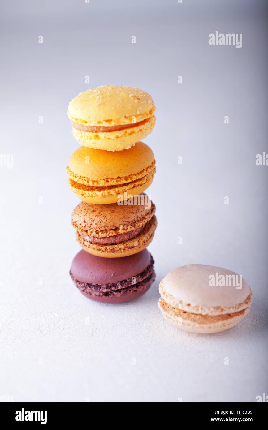 Biscuits aux amandes macarons colorés Photo Stock