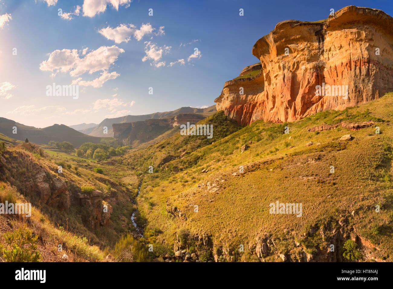 Le Golden Gate Highlands National Park en Afrique du Sud, photographié à la fin de l'après-midi Photo Stock