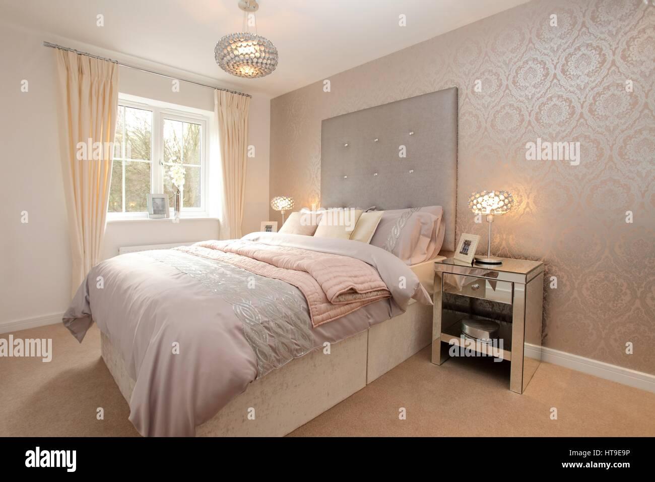 Chambre Gris Blanc Rose home intérieur, chambre, lumineux, blanc argent, rose crème