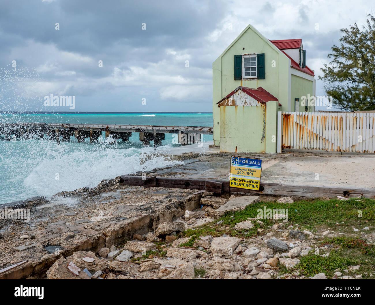 Vieille Maison A Vendre Sur Le Bord De L Ocean A Cockburn Town