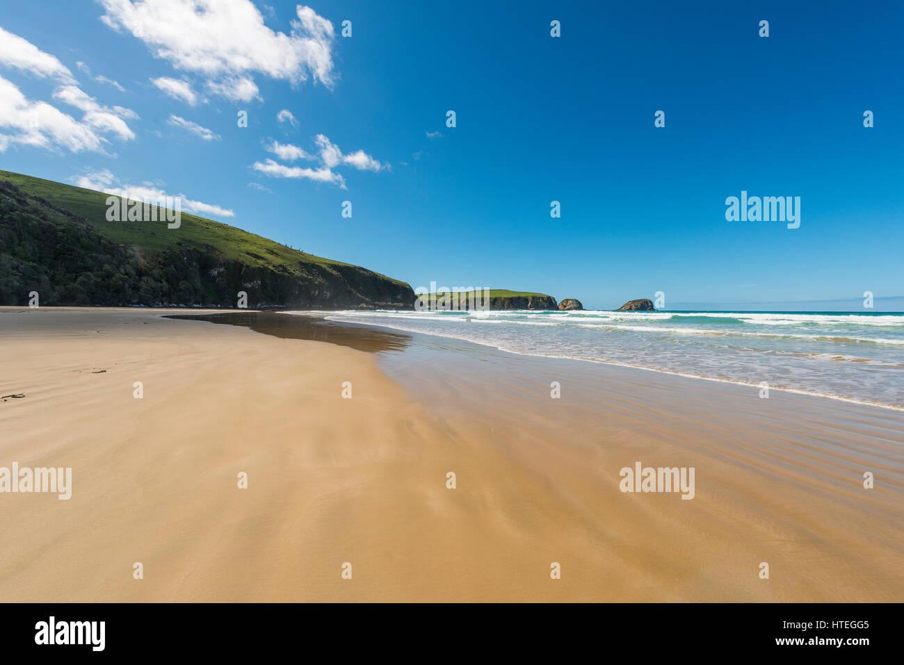 Plage de sable fin, la baie de Tautuku, la région de Southland, Catlins, Southland, Nouvelle-Zélande Photo Stock