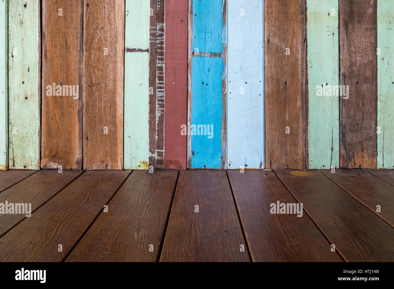 peindre un plancher en bois beautiful peinture pour plancher de beton best of planchers le bon. Black Bedroom Furniture Sets. Home Design Ideas