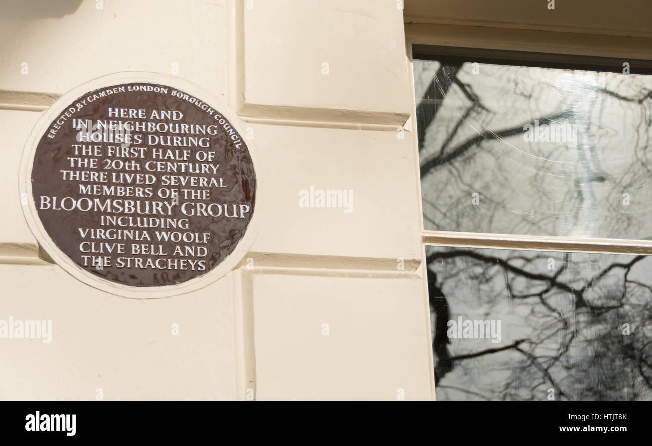 Le Bloomsbury Group (Virginia Woolf, Clive Bell, le Stracheys) Brown Plaque dans Gordon Square, Londres, Royaume-Uni. Banque D'Images