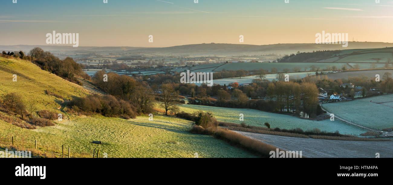 Un matin glacial dans la vallée de Blackmore de Gales Hill, nr Buckland Newton, Dorset, England, UK Banque D'Images