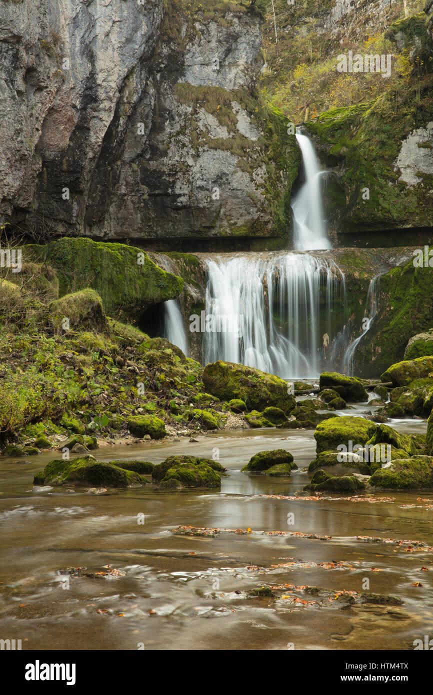 Cascade de la Billaude, Franche-Comté, France Banque D'Images