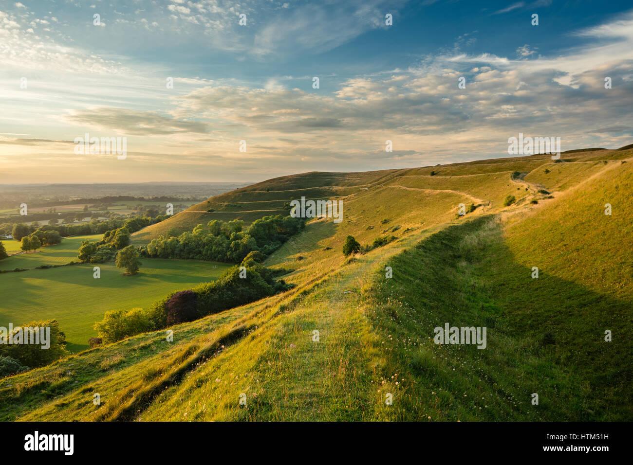 Les remparts de l'âge de fer de fort de Hambledon Hill, nr Blandford Forum, Dorset, England, UK Banque D'Images