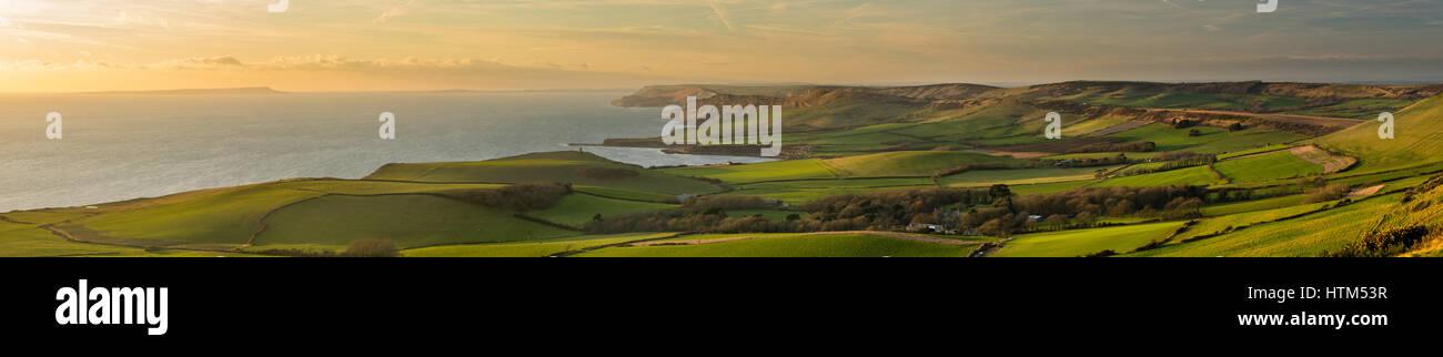 La Côte Jurassique avec Portland, Clavell et tour de Swyre Kimmeridge Bay Head, Purbeck, Dorset, England, UK Banque D'Images