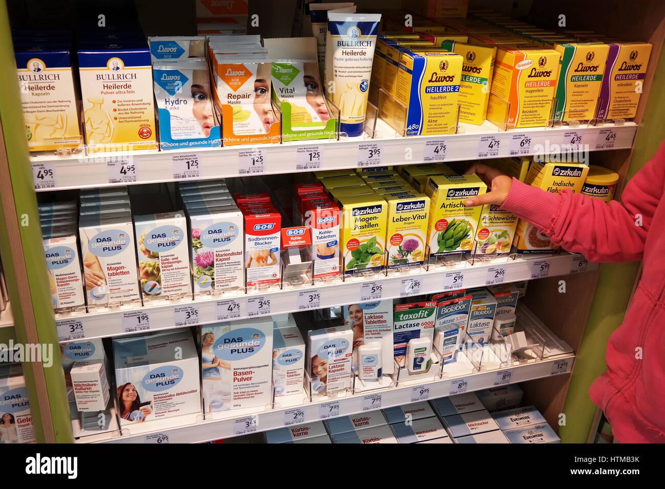 Dm-Drogerie Markt store Banque D Images, Photo Stock  135672087 - Alamy 6c4eb251da4f