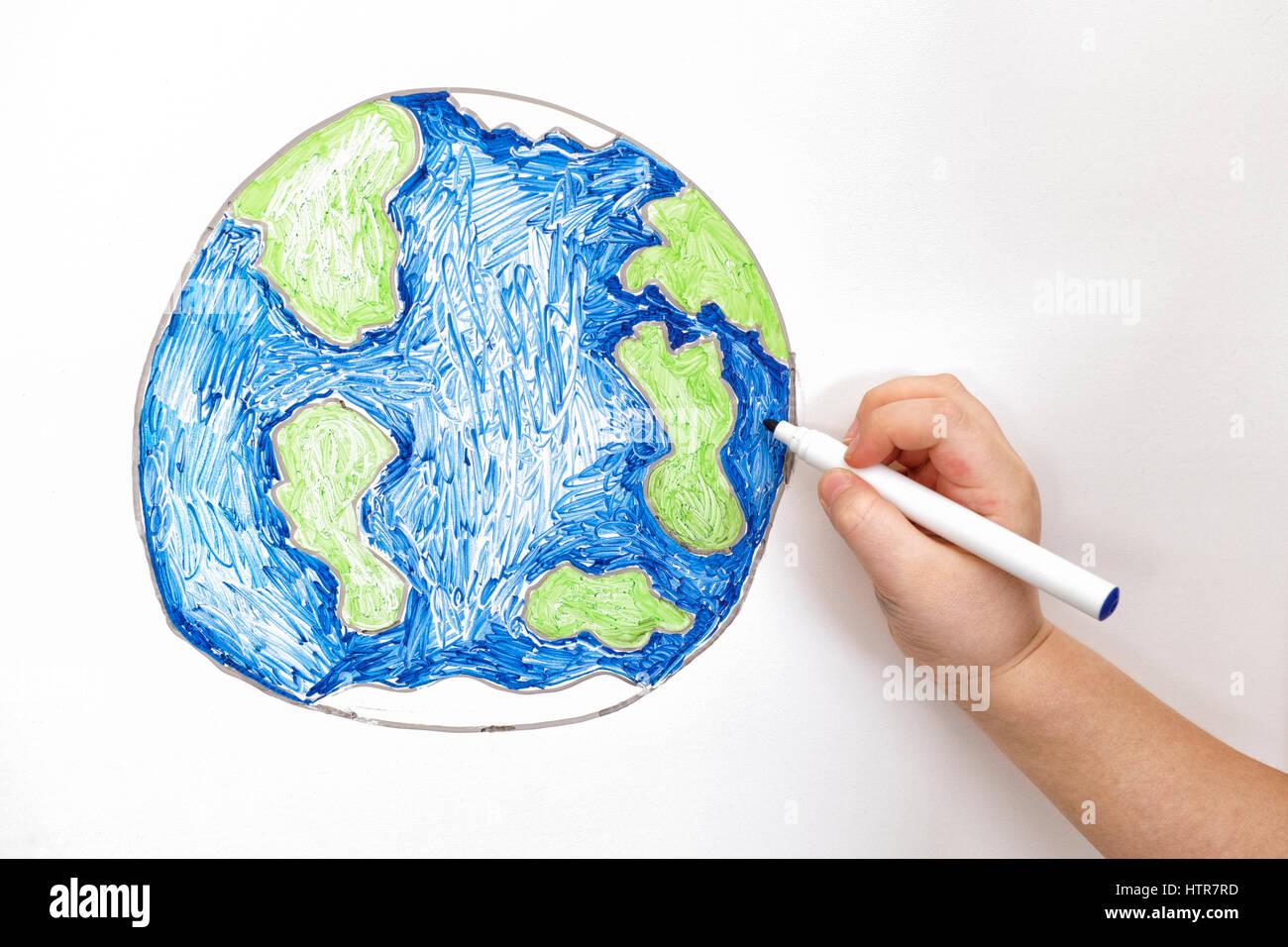 Dessin à La Main De L Enfant Planète Terre Avec Un Marqueur