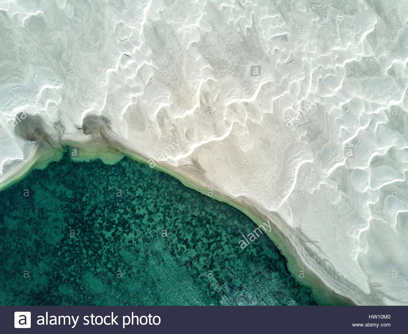 Une vue aérienne de dunes de sable. Photo Stock