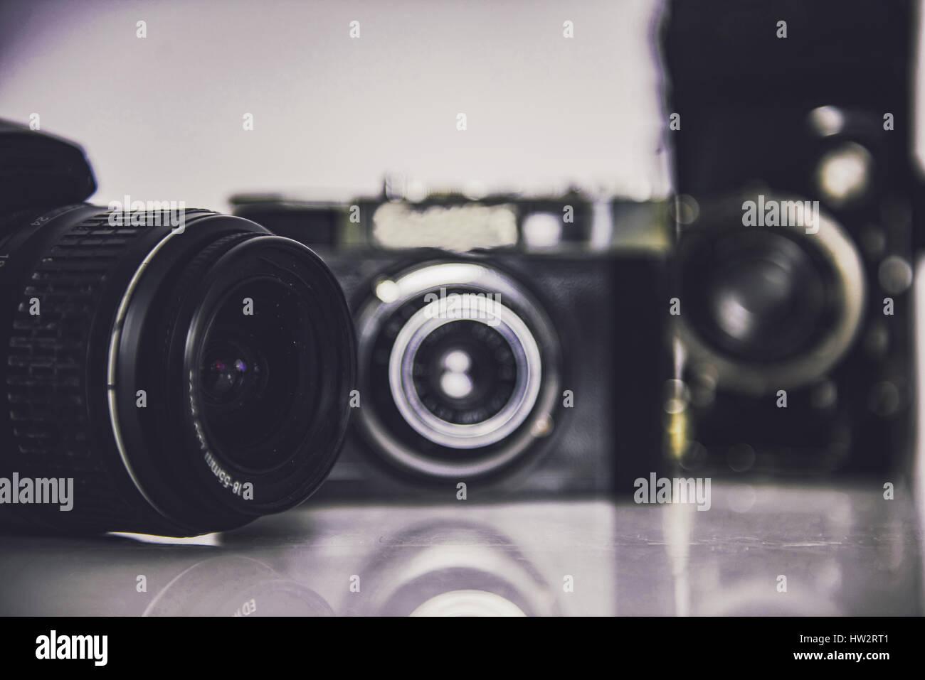 Vieille photo, appareils photo numériques Banque D'Images