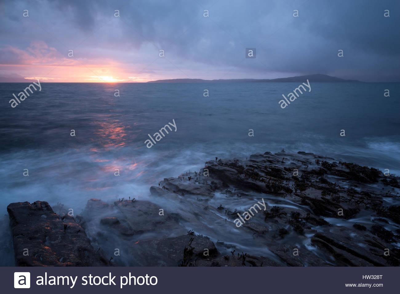 Superbe mais moody conditions à Elgol sur l'île de Skye. Photo Stock