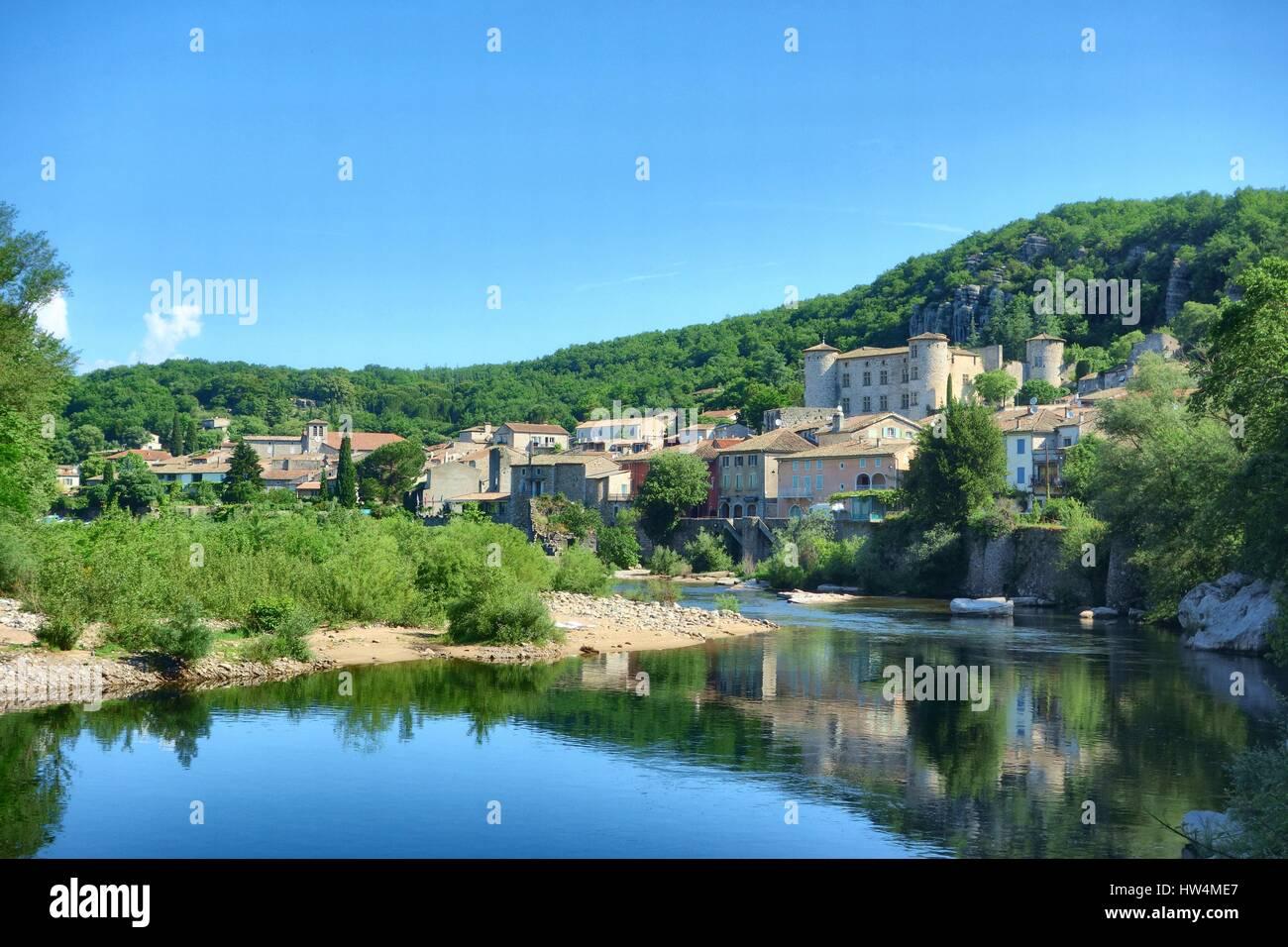 L'Ardèche à Vogüé, dans le sud de la France. Photo Stock